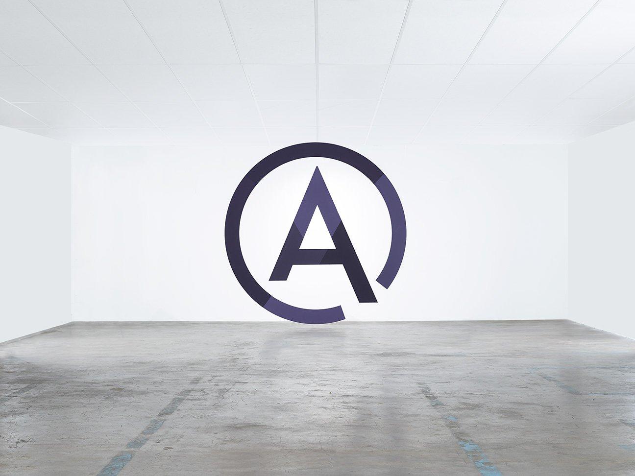 Réalisation de l'identité visuelle de ADMARKA S.A, première agence de naming, branding et business development en suisse.