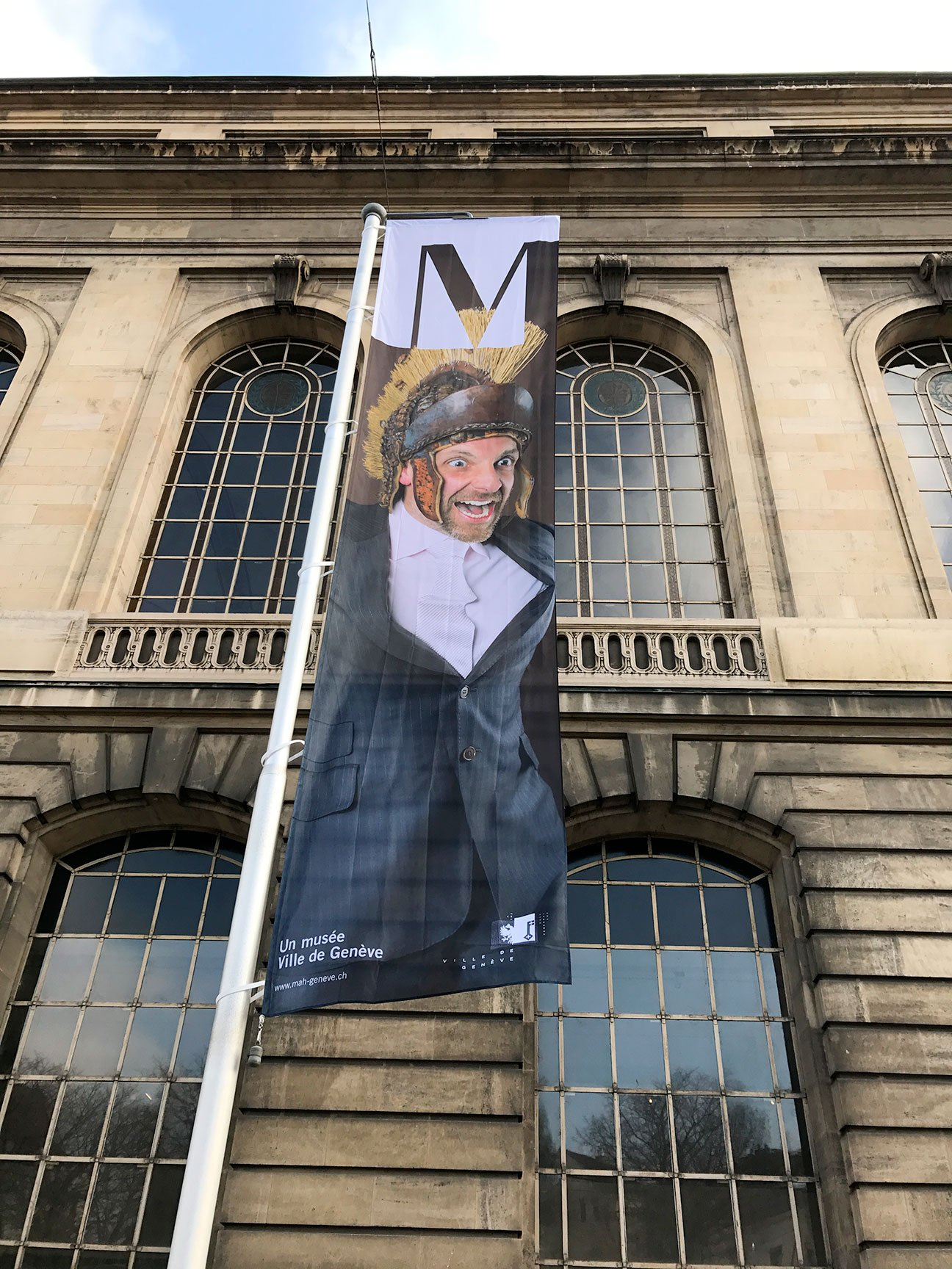 Fabien_cuffel_Musee-art-et-histoire-geneve_campagne-institutionnelle-drapeaux_Charly