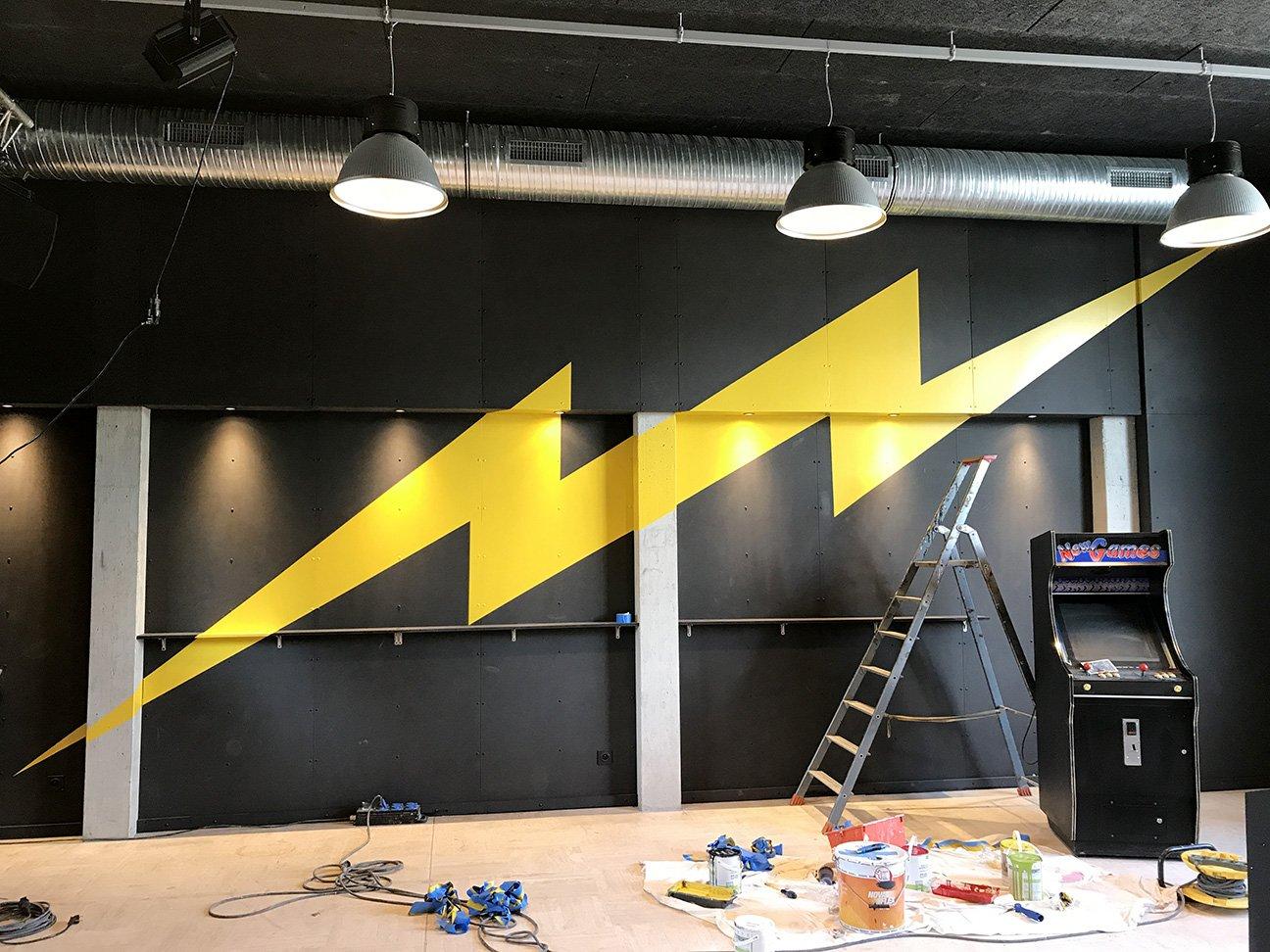 Fabien_cuffel_LePoulpe_Resto_Bar_Concert_Wall_Painting_lightning